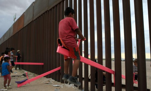 Pink seesaws across US-Mexico border named Design of the Year 2020