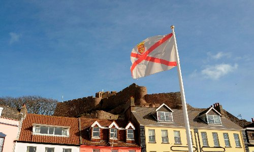 Thursday briefing: Jersey tensions as navy sent to protect port