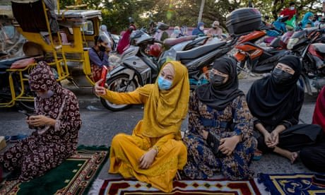 Eid al-Fitr celebrations around the world – in pictures