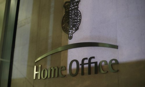 Home Office letter wrongly tells British citizens to apply for settled status