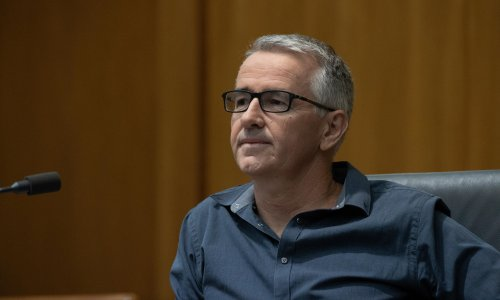'Stick with the facts': Greg Hunt's plea to politicians after LNP senator's 'false' Facebook Covid posts
