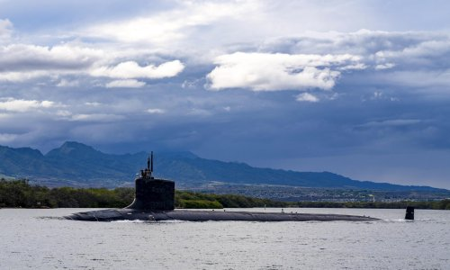 Australia could initially lease submarines from UK or US but nuclear weapons remain off limits