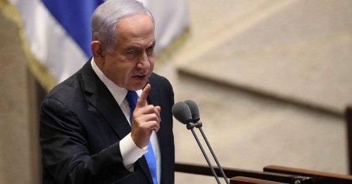 Petty Netanyahu Gives Bennett a Half-hour Handoff Meeting