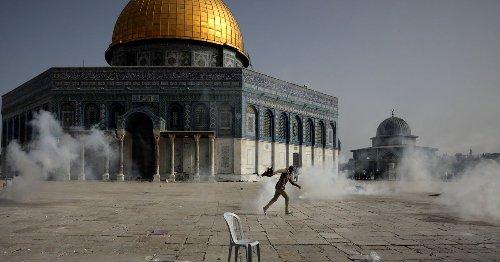 Muslim Leaders Condemn Israel for 'Barbaric Attacks' Against Al-Aqsa Worshippers