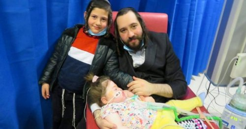 Father Pleads U.K. Authorities to Keep Sick Daughter Alive and Take Her to Israel