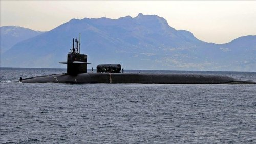 ABD nükleer denizaltısı kaza yaptı