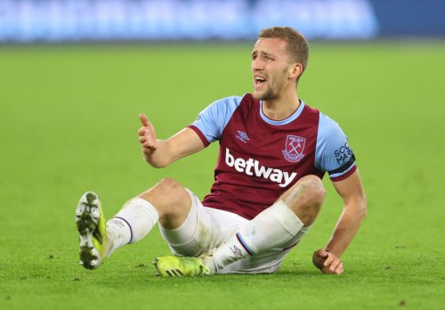 'I actually can't believe this': Some West Ham fans stunned by official club tweet about 26-y/o