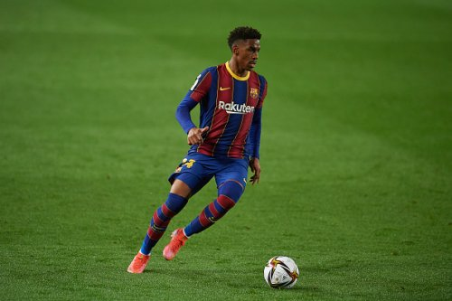 Barcelona pushing Junior Firpo to West Ham - report - Hammers News