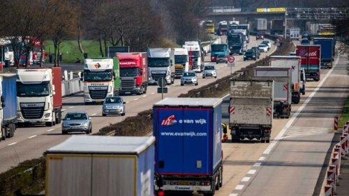 """Logistik: Deutschland gehen Lkw-Fahrer aus – """"Versorgungskollaps droht"""""""