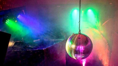 Tanz, Schnaps und Naivität: Kölner Club öffnet trotz Corona