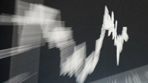 Dax aktuell: Dax schließt über 15.300 Punkten – zum Unmut der Anlageprofis