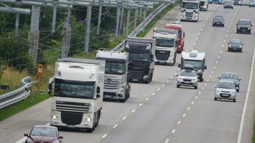 Siemens und Continental arbeiten bei Oberleitungs-Lkw zusammen