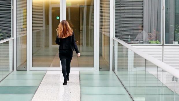 So hebeln immer mehr Dax-Konzerne die Mitbestimmung ihrer Arbeitnehmer aus