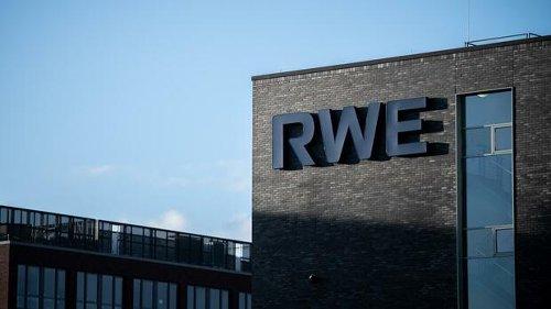 +++ Geschäftszahlen im Newsblog +++: RWE-Gewinn halbiert sich nahezu – Telekom hebt Prognose leicht an