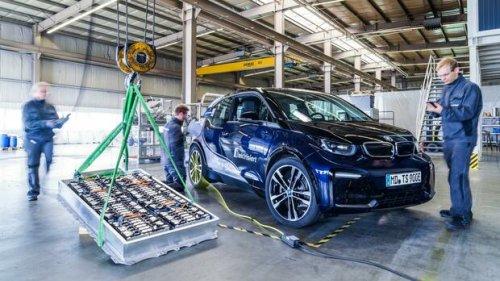 Elektromobilität: Das E-Auto-Problem: Tausende Tonnen Batterien landen vorzeitig im Müll