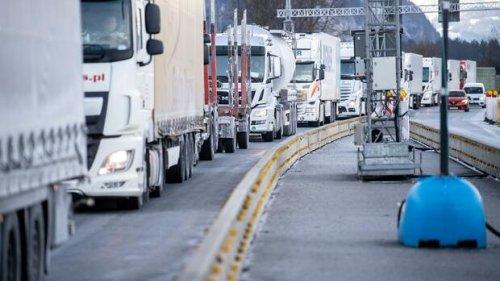 Klimaschutz: Der Bund bezieht tausende Tonnen Streusalz – per Lkw