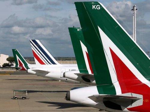 Letztes Flugzeug von Italiens Airline Alitalia gelandet | HZ