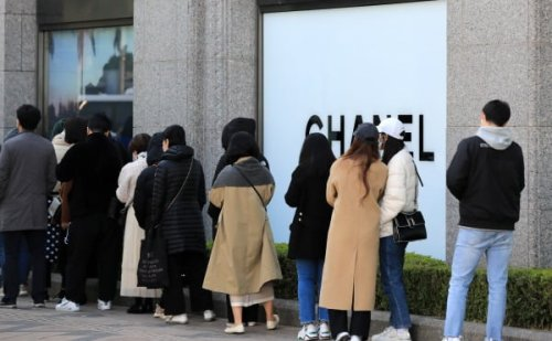 코로나에도 명품에 15조 쓴 한국인…에루샤만 2조4000억