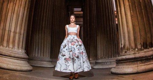 Modetrends von der Fashion Week London Frühjahr/Sommer 2022: Erdem