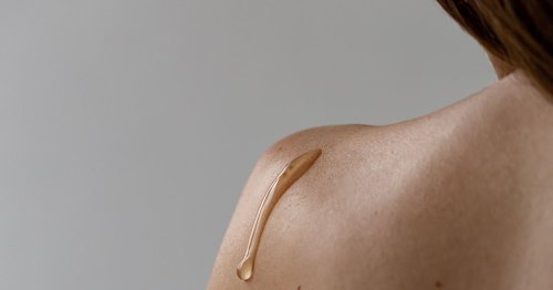 Rundum schöne Haut: Diese Körper-Pflege verspricht gegen jedes Hautproblem zu wirken