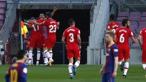 Bittere Barça-Pleite und Rot für Koeman gegen Granada
