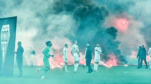 Pyrotechnik und Nebel: Erneut Tumulte in Frankreich