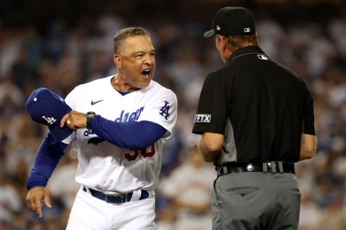 Roberts, Muncy melt down after clutch Giants comeback vs. Dodgers