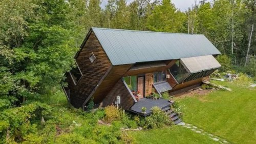 Off-Kilter in Vermont: $195K Tilted Home Sells in Just a Few Days