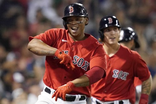 Devers homers twice, bullpen strong as Red Sox top Yanks 6-2