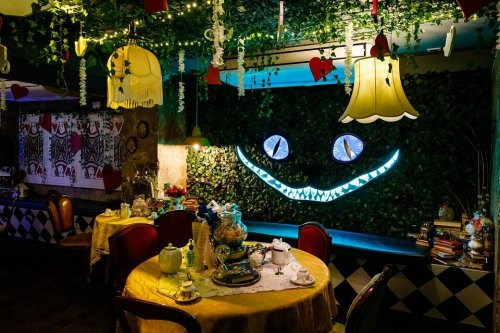 An 'Alice in Wonderland' cocktail party is coming to Seattle