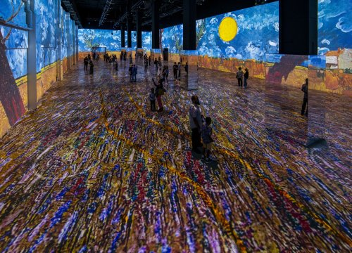'Immersive Van Gogh': The viral sensation from 'Emily in Paris' is coming to Houston