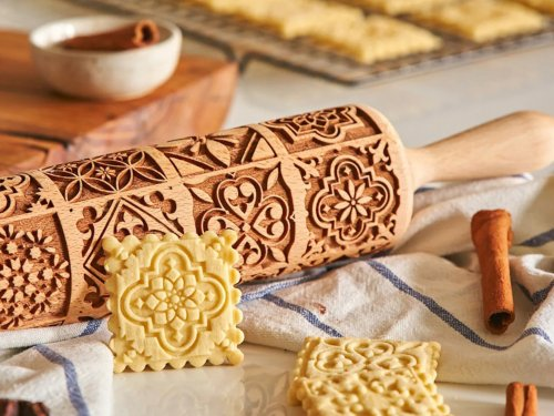 This engraved rolling pin makes holiday cookie baking a snap