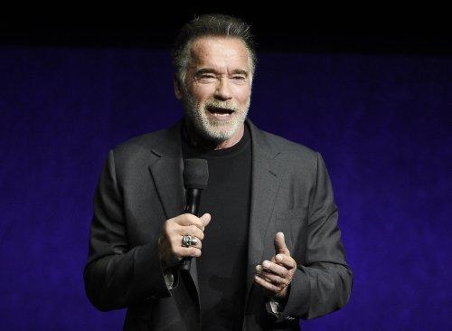 Schwarzenegger hits 'wacky,' 'disastrous' Republican handling of recall