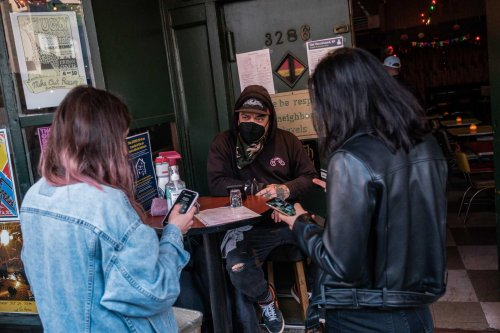What's it like to go to an S.F. bar that requires proof of vaccine? Totally fine