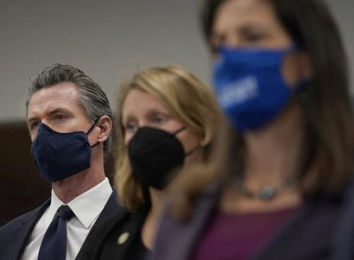 Editorial: Newsom's vaccine mandate makes sense. He should follow the Bay Area's lead on masks, too