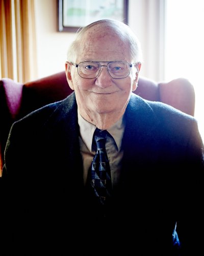 Frank Davis, Bay Area chemist who invented delivery system for COVID-19 vaccines, dies at 100