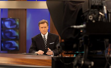 KTVU anchor back on air, but does not address sudden exit