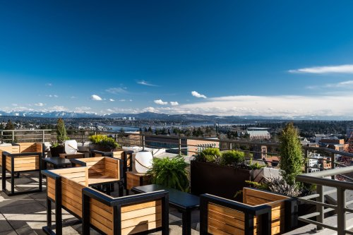 Soak up Seattle's summer with these 11 rooftop restaurants