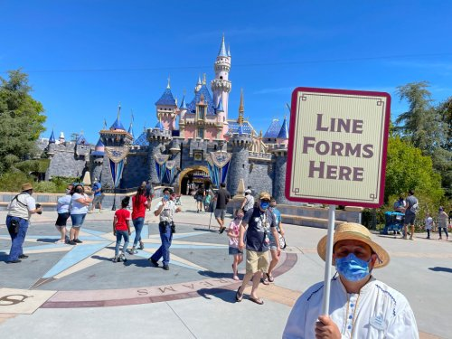 25,000 current and former Disneyland employees are suing Disney