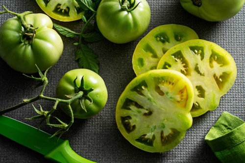 How to use green tomatoes to pickle, bake and, of course, fry