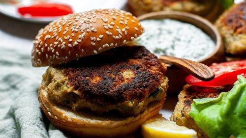 HealthDigest Recipe: Homemade Falafel Burger Recipe With Creamy Tzatziki Sauce