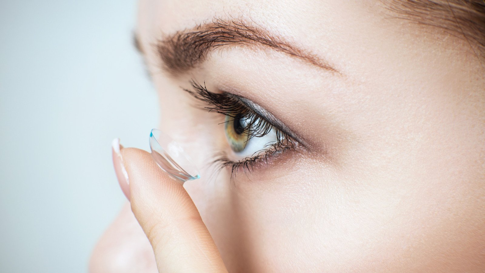 Is Sleeping With Contacts In Really Safe?