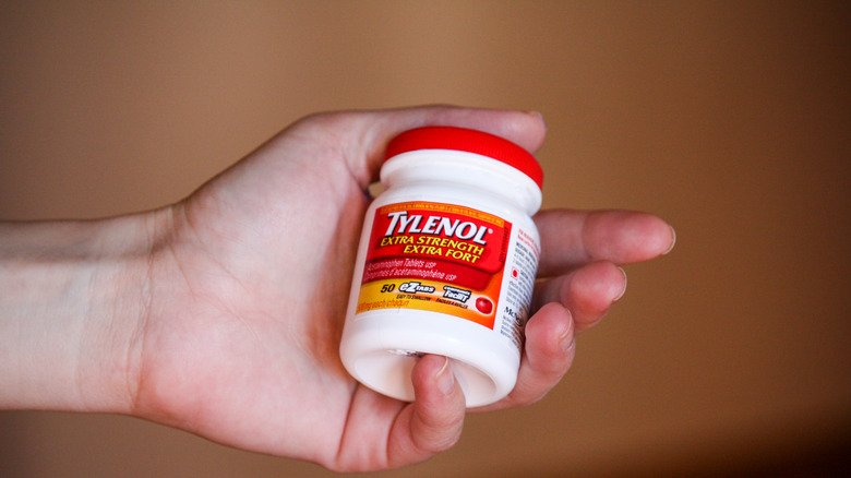 You Might Be Allergic To Acetaminophen If This Happens
