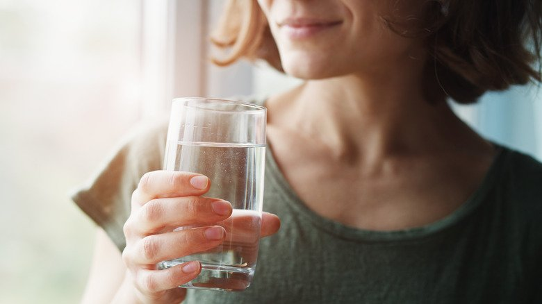 When You Drink A Gallon Of Water Every Day, This Is What Happens