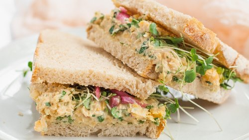 Easy Chickpea Salad Sandwich Recipe Is A Healthy Alternative You'll Love For Lunchtime