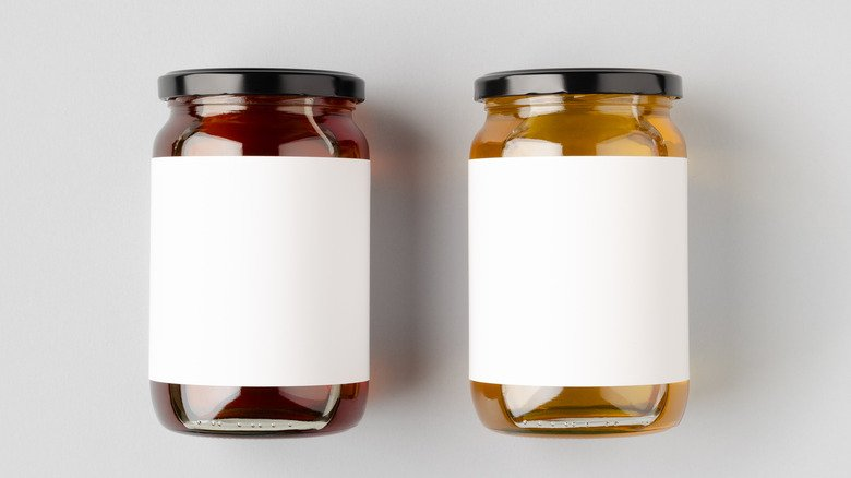 Maple Syrup Versus Honey: Which One Is Better For You?