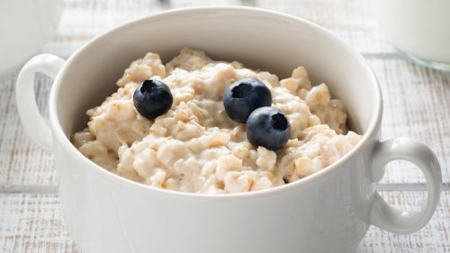 Why You Should Start Adding Blueberries To Your Oatmeal