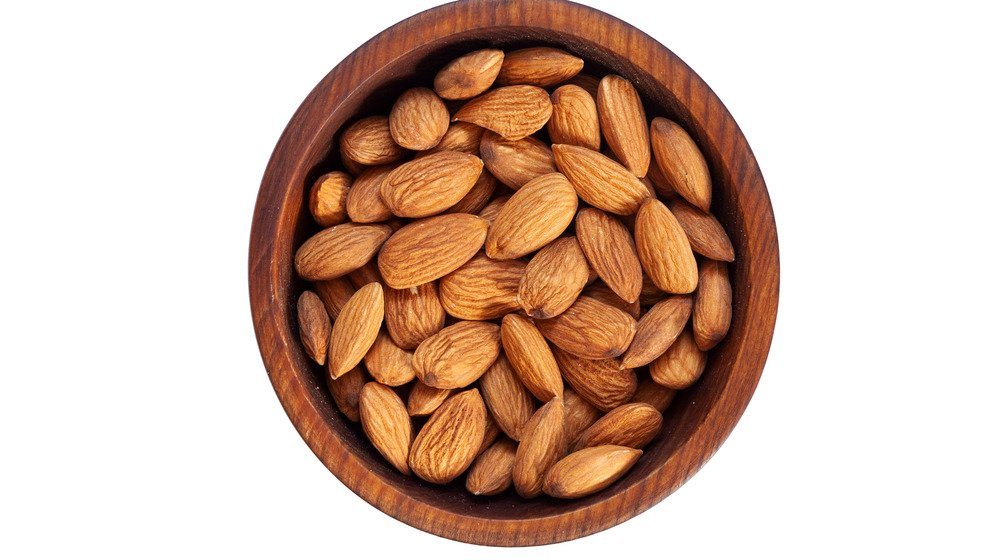 When You Eat Too Many Almonds, This Is What Happens
