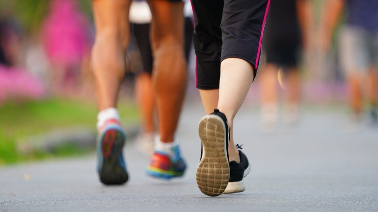 Running vs walking: which one is better for you?