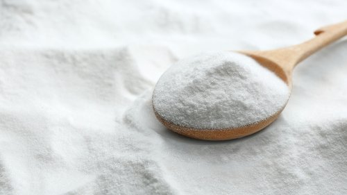 Why You Should Never Use Baking Soda On Your Skin